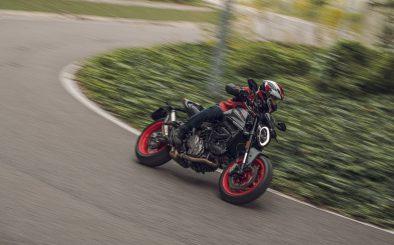 2021-Ducati-Monster-Plus-56