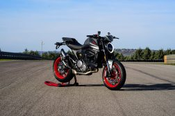2021-Ducati-Monster-Plus-73