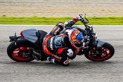 2021-Ducati-Monster-Plus-74
