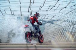 2021-Ducati-Monster-Plus-84