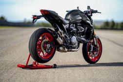 2021-Ducati-Monster-Plus-91