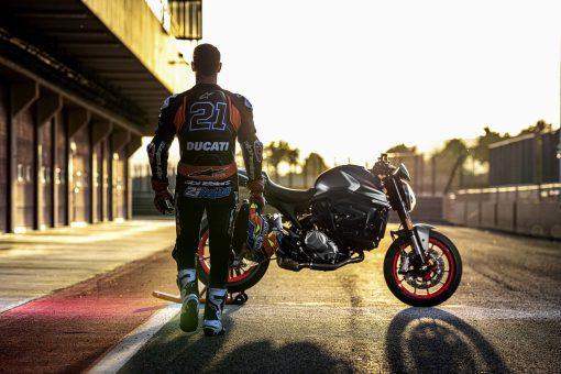 2021-Ducati-Monster-Plus-93