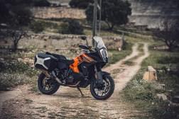 2021-KTM-1290-Super-Adventure-S-06