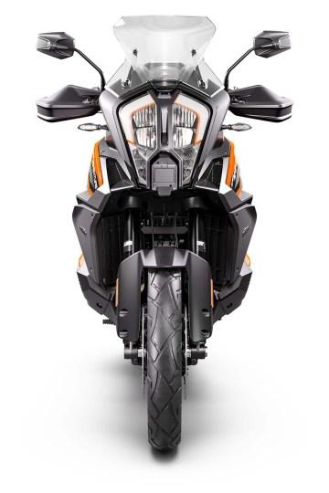 2021-KTM-1290-Super-Adventure-S-08