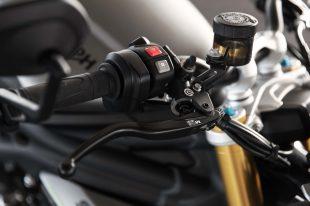 2021-Triumph-Speed-Triple-1200-RS-01