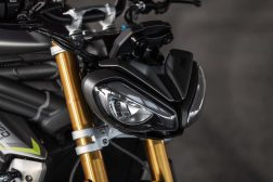 2021-Triumph-Speed-Triple-1200-RS-08