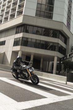 2021-Triumph-Speed-Triple-1200-RS-17