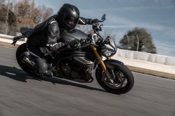 2021-Triumph-Speed-Triple-1200-RS-24