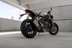 2021-Triumph-Speed-Triple-1200-RS-38