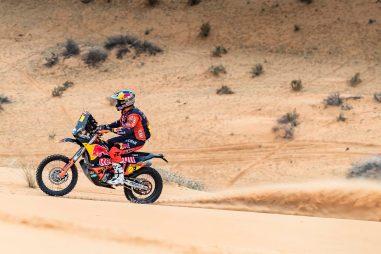 Toby-Price-Zip-tie-Dakar-Rally-KTM-11