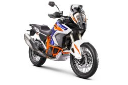 2021-KTM-1290-Super-Adventure-R-30
