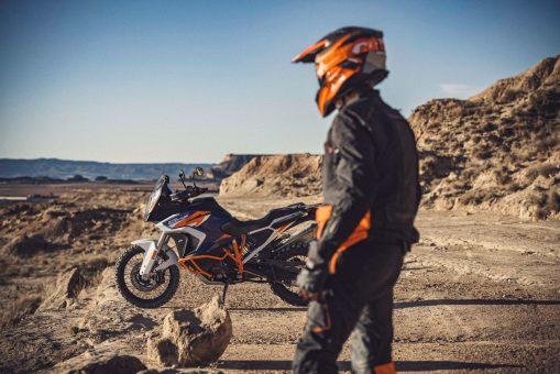 2021-KTM-1290-Super-Adventure-R-46
