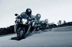 2022-Suzuki-Hayabusa-action-45