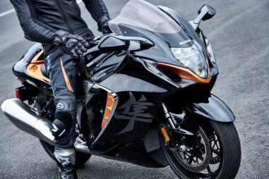 2022-Suzuki-Hayabusa-action-51