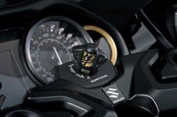 2022-Suzuki-Hayabusa-details-36