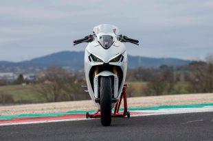 2021-Ducati-SuperSport-950-29