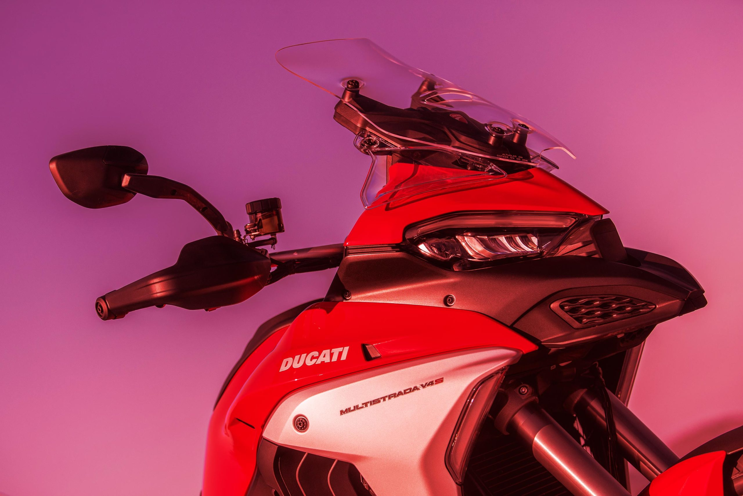 17-дюймовые передние колеса Ducati Multistrada V4 Spotted