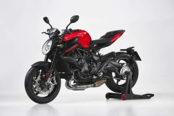 2021-MV-Agusta-Brutale-Rosso-09
