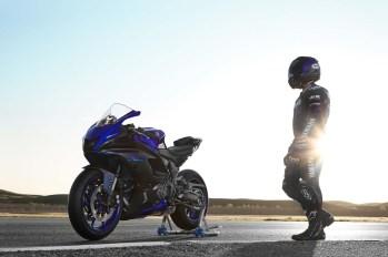 2022-Yamaha-YZF-R7-04