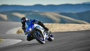 2022-Yamaha-YZF-R7-europe-11
