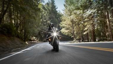 2022-Yamaha-YZF-R7-europe-16