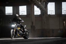 Ducati-Diavel-1260-S-Black-and-Steel-04