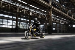 Ducati-Diavel-1260-S-Black-and-Steel-06