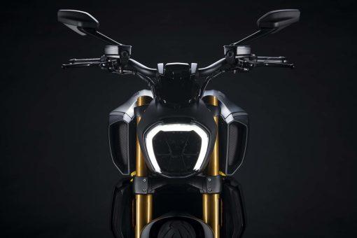 Ducati-Diavel-1260-S-Black-and-Steel-09
