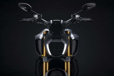 Ducati-Diavel-1260-S-Black-and-Steel-43