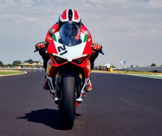 Ducati Panigale V2 Bayliss Edition Comes with the Goodies
