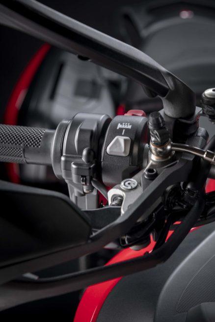 2022-Ducati-Multistrada-V2-47