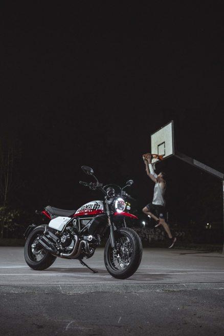 Ducati-Scrambler-Urban-Motard-44