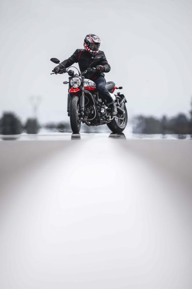 Ducati-Scrambler-Urban-Motard-61