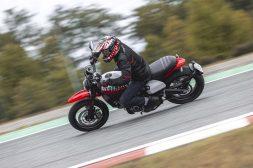 Ducati-Scrambler-Urban-Motard-66