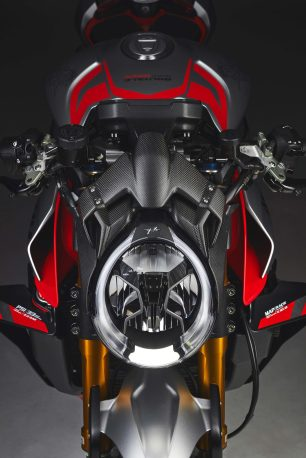 MV-Agusta-Brutale-1000-Nurburgring-details-19