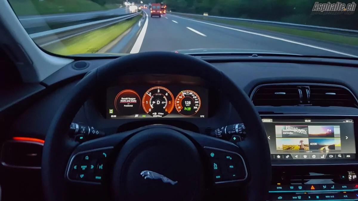 Essai Jaguar F Pace Premier Crossover Asphaltech