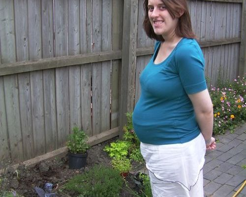 Amanda at 24 weeks pregnant
