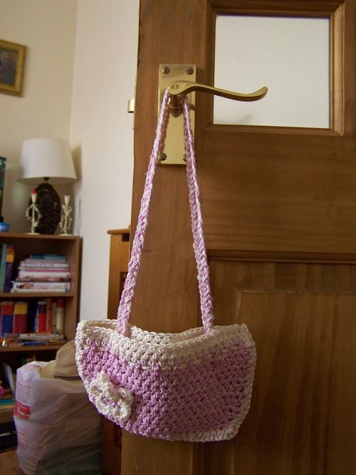 pink and white crochet bag