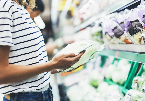 5 Ways to Save While Grocery Shopping