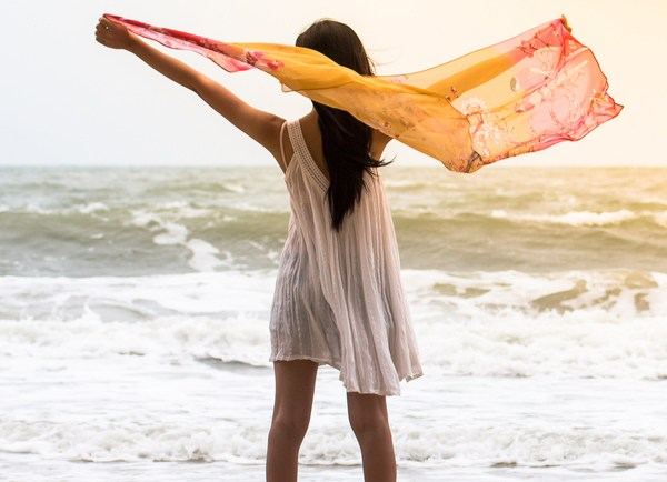Moving On: 6 Brilliant Ways to Mend a Broken Heart