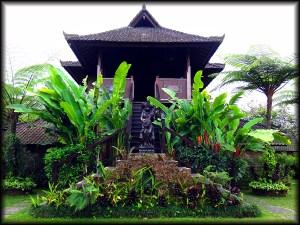 bali statue hotel