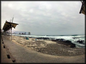 Iquique beach line photo
