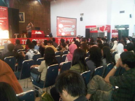 Peserta Ngobras Telkomsel di Semarang yang Mmebludak