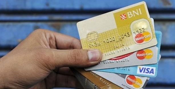 Inilah 6 Tanda Anda Telah Kecanduan Kartu Kredit