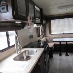 Travel Trailers With Rear Kitchen Navy Rug 2018 Grey Wolf 20rdse Trailer