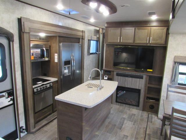 open range 376fbh - front living room or 2nd bedroom fifth wheel