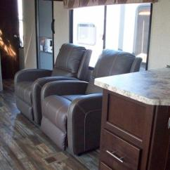 Rear Kitchen Travel Trailers Table With Bench Seat Cherokee 274rk - 2 Recliners Trailer