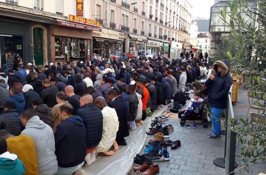 الداخلية الفرنسية تمنع الصلاة في الشوارع