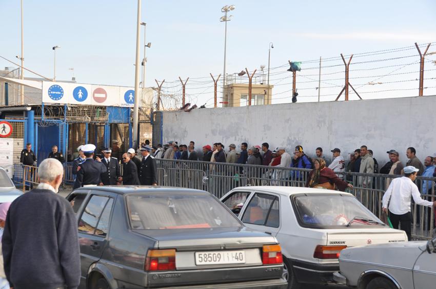 سلطات سبتة المحتلة تتلف لحوم المغاربة العائدين الى بلاد المهجر