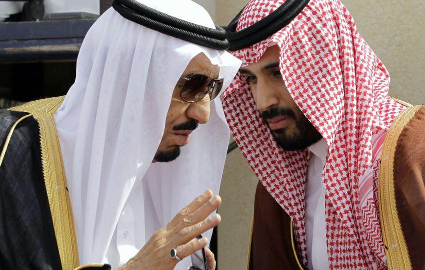 """الملك سلمان وولي عهده يغيبان عن """"قمة الكويت"""""""